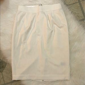 banana republic monogram • white pencil skirt • xs